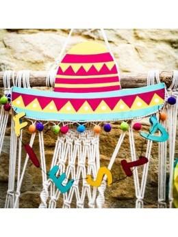 Suspension chapeau mexicain et pompons