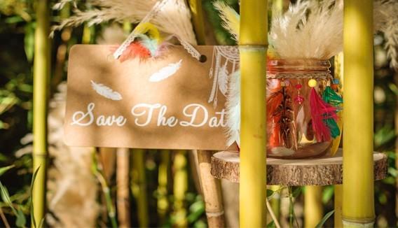 Décoration bohême pas cher pour mariage : rose, dentelle, lin   Hippie, ethnique